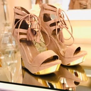 Tan & Gold Wedges